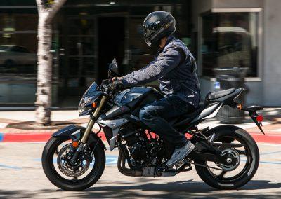 Moto_Schindler_Steffisburg_Suzuki_GSX_S750Z (7)