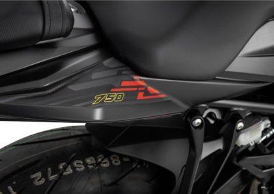 Moto_Schindler_Steffisburg_Suzuki_GSX-S750Z BLACK EDITION L8 (2)